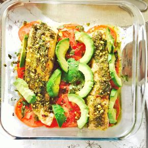 Sunday salmon with tomato andavocado