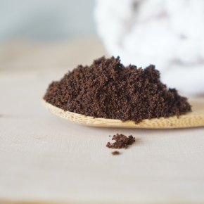 If you love coffee, you will adore this bodyscrub.