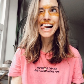 Turmeric & Whipped Cream for dark circles and fine wrinkles